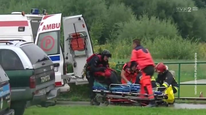 От удара молнии в польских Татрах погибли 4 человека, более 100 пострадали