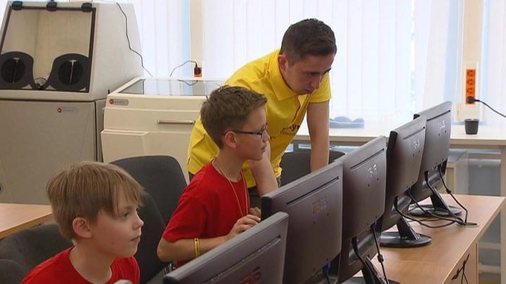 Институт развития интернета предложил вести в школе уроки по киберспорту