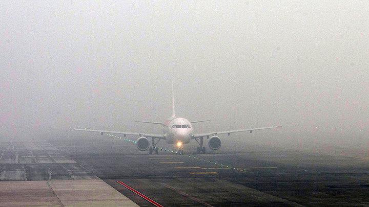Два пассажирских самолета не долетели до Южно-Сахалинска из-за тумана