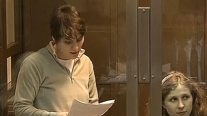 Самуцевич выходит на свободу, Толоконникова и Алехина остаются за решеткой