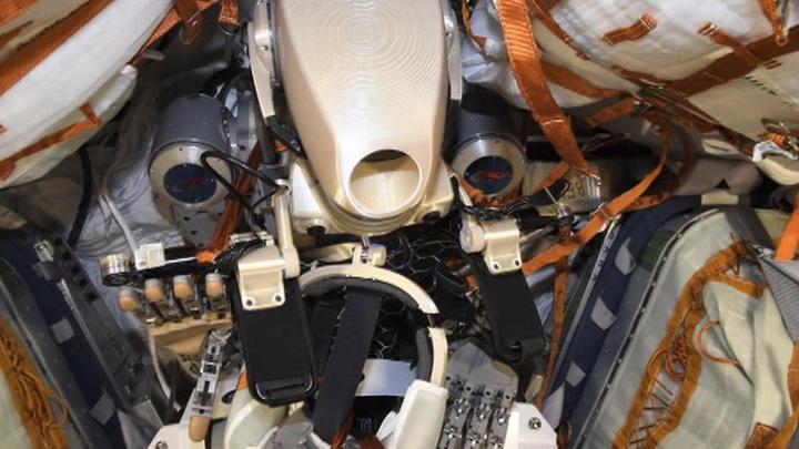 Робот-космонавт Федор благополучно вернулся на Землю