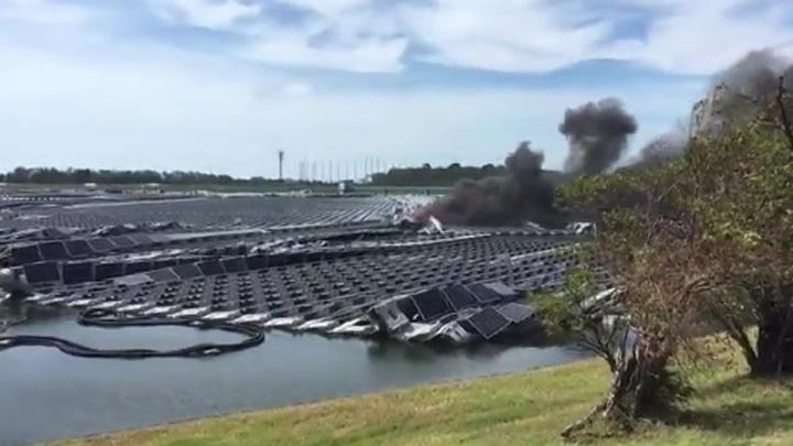 В Японии горит солнечная электростанция