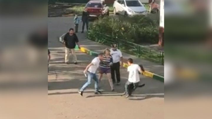 В Москве пьяный дебошир ножом ранил собаку на поводке и подал заявление о нападении