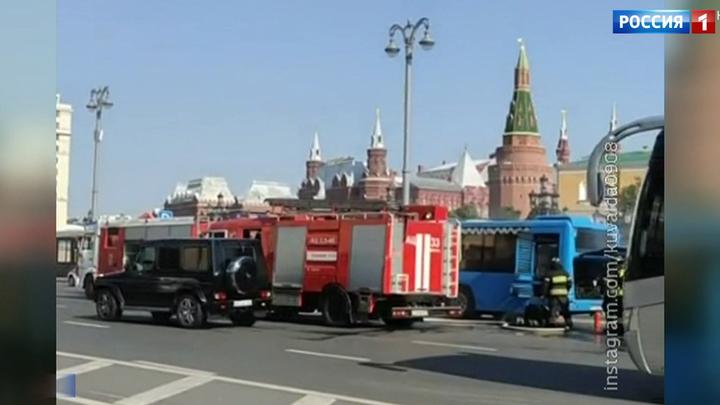 В центре Москвы сгорел автобус