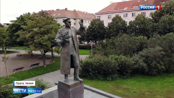 Борьба с памятником маршалу Коневу: швейкование или русофобский заказ