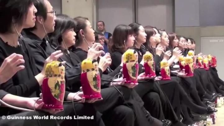 Ценители терменвокса установили новый рекорд и сыграли на 289 матрешках