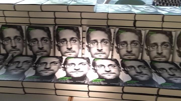 Сноуден: иск властей сыграл мне на руку