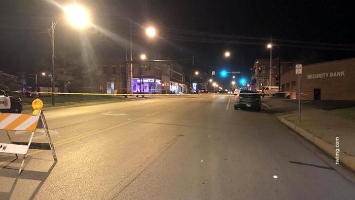 В Канзас-Сити мужчина зашел в бар и расстрелял посетителей