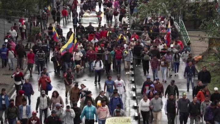 Правительство Эквадора из-за массовых протестов покинуло столицу