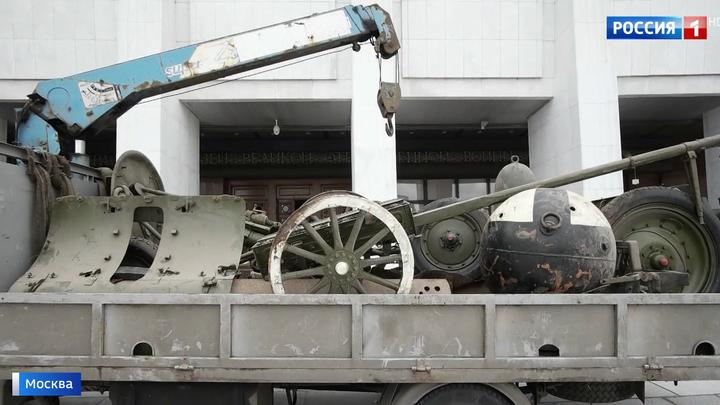 В Музей Победы перевозят девять тонн старинной военной техники