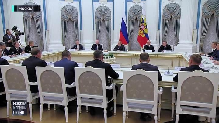 """Губернаторы рассказали, какой Путин в """"закрытом"""" режиме"""