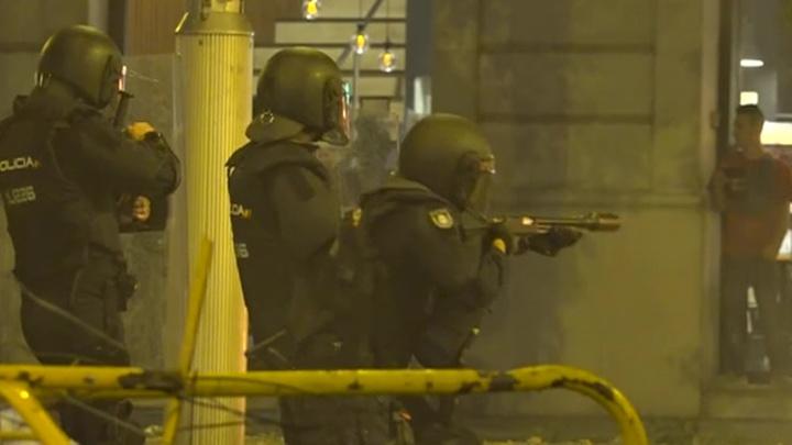 Беспорядки в Барселоне: около ста пострадавших