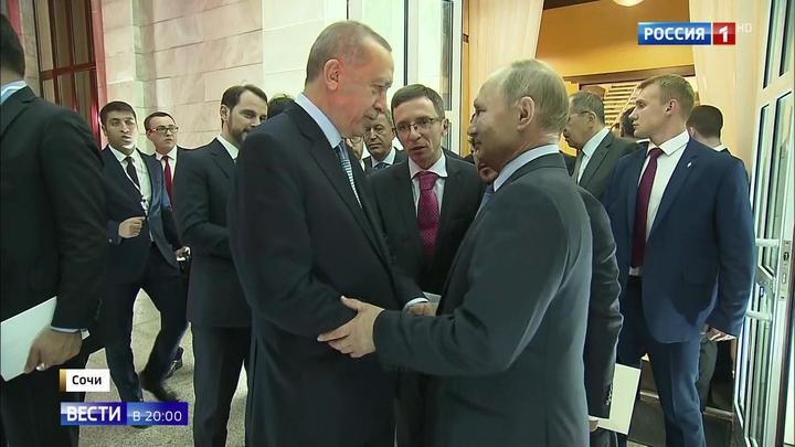 Лидеры России и Турции тепло попрощались после переговоров в Сочи
