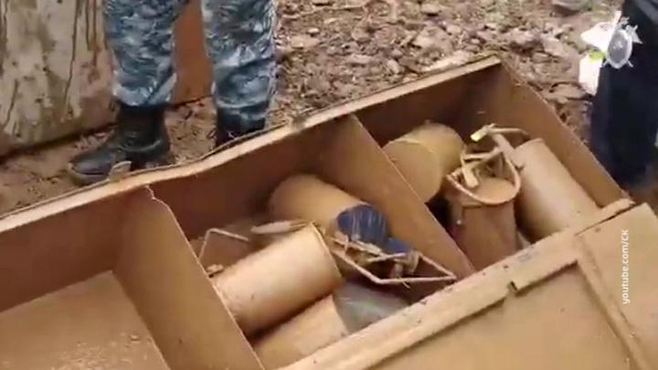 Размыв дамб на Сейбе: рабочие вскрыли унесенный водою сейф с золотом