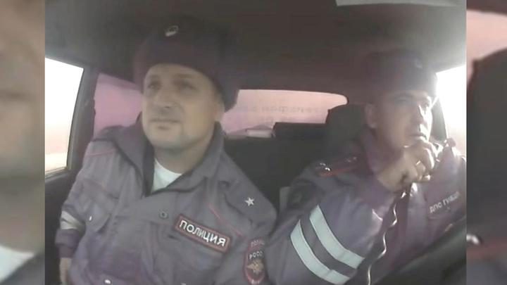 Новосибирские инспекторы со стрельбой задержали в чистом поле пьяного тракториста
