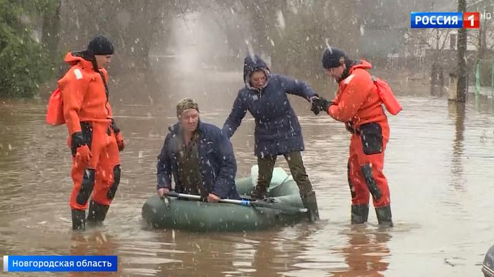 В северо-западных и центральных регионах России режим ЧС из-за паводка