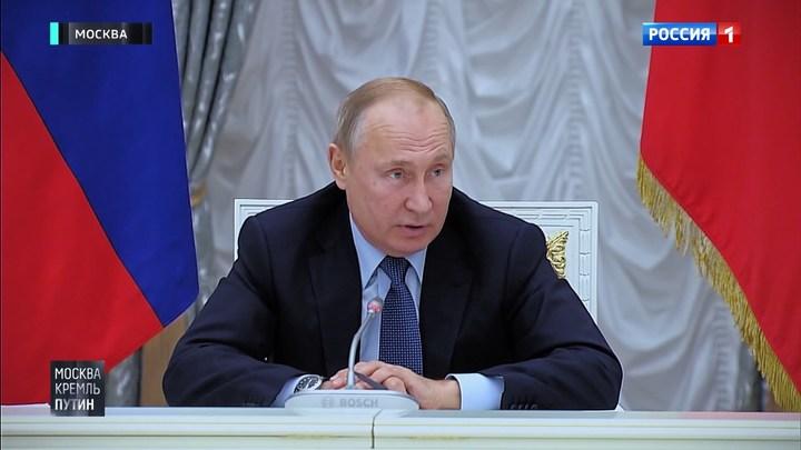 """""""У вас своего мнения нет"""". Кого раскритиковал Путин после Совета по русскому языку"""