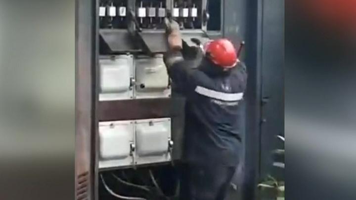 Столичные полицейские пресекли деятельность банды лжеэлектриков