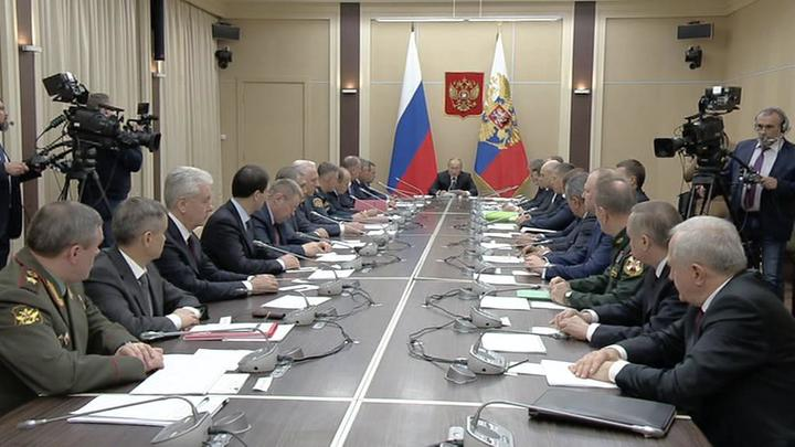 Армия, оружие, угрозы: президент обсудил с Совбезом актуальные вопросы