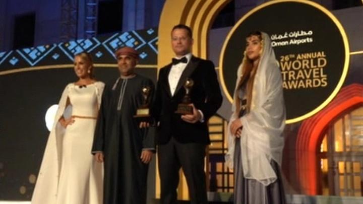 """Аэрофлот"" взял сразу две статуэтки: в Омане вручили туристический Оскар"