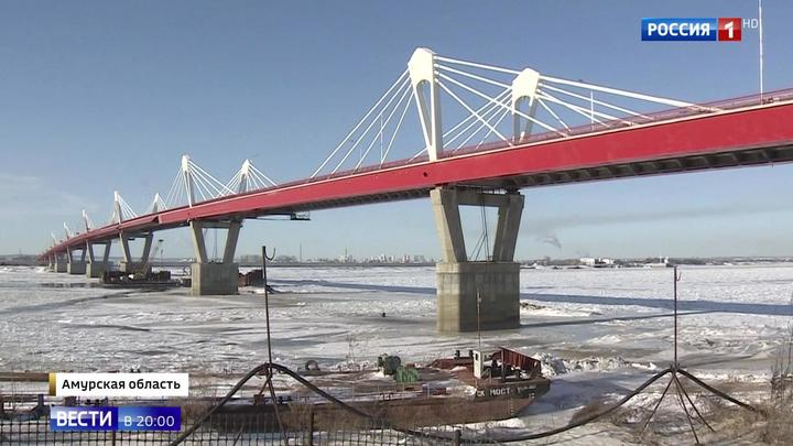 1080 метров над Амуром: построен мост между Благовещенском и китайским Хэй-хэ