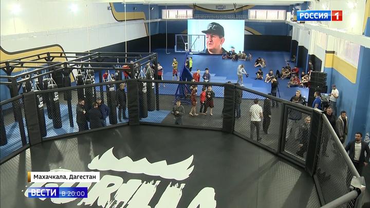 Снова на ринге: Хабиб Нурмагомедов открыл школу единоборств в Махачкале