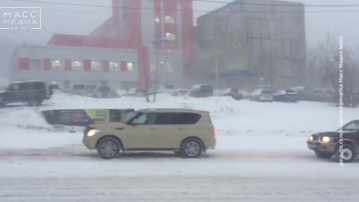 Сахалин и Камчатка вновь оказались во власти циклона