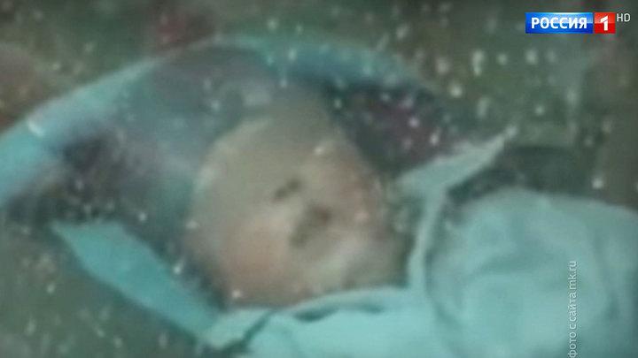 Оставили без присмотра и ушли: из припаркованной машины спасли грудного младенца