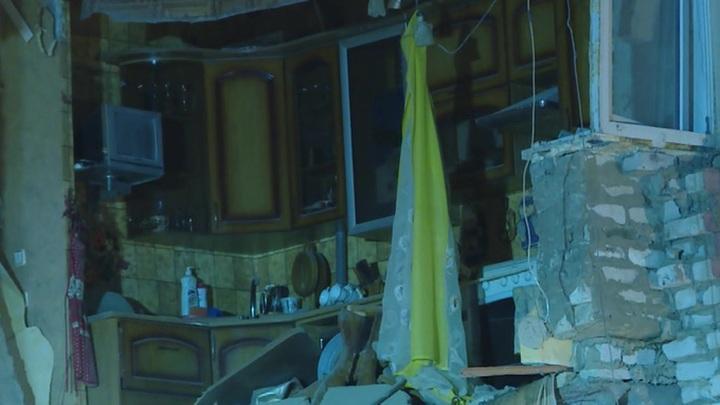 Один погибший, шестеро пострадавших: завалы обрушившегося дома разбирали вручную