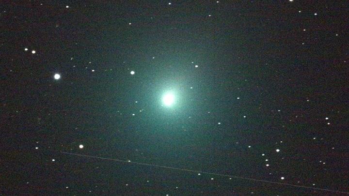 Комета Виртанена, сфотографированная во время сближения с Землёй в 2018 году.