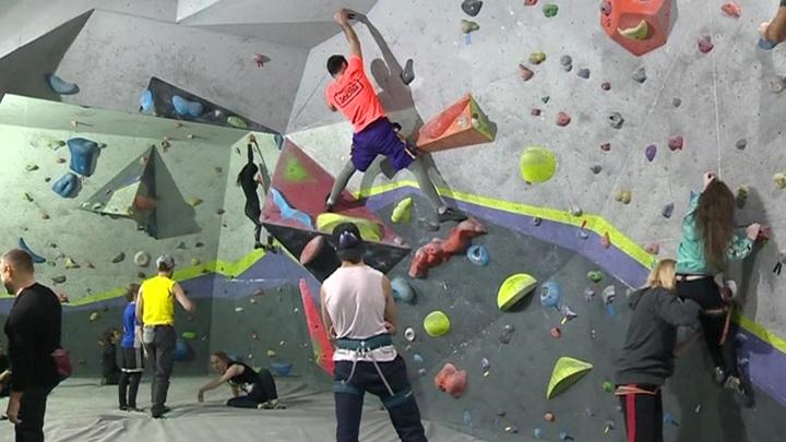 Вверх, и только вверх: скалолазы тренируются во Владикавказе