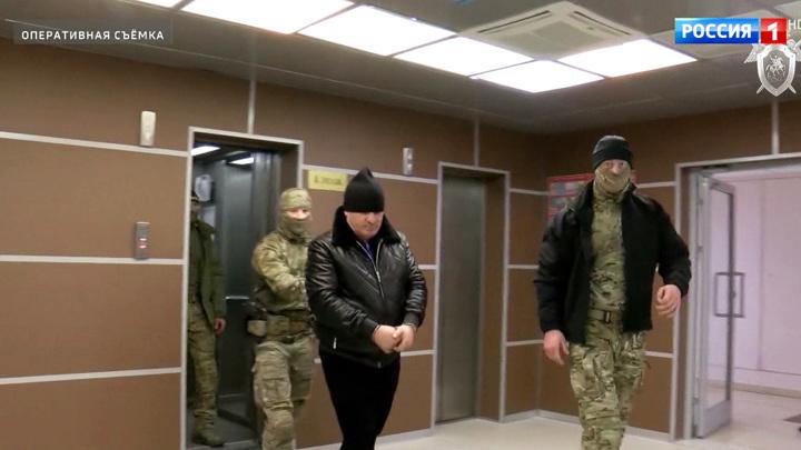 Главаря группировки, подозреваемой в громком убийстве в столице, доставили на допрос в СКР