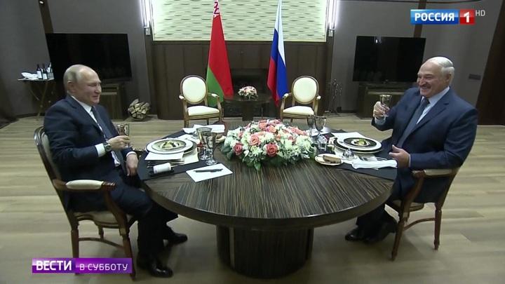 Путин и Лукашенко продолжили переговоры за предновогодним обедом