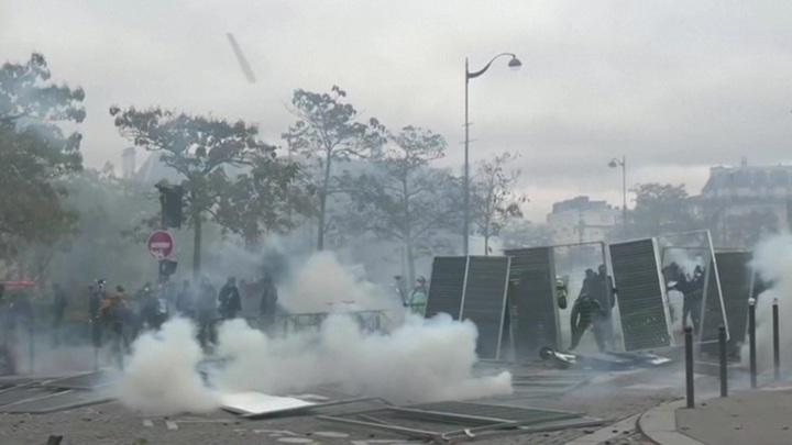 Париж готовится к новым забастовкам