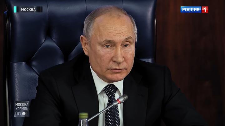 """""""Не дать возможность испоганить память"""": Путин напомнил об исторической правде"""