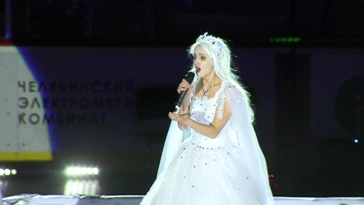 """Сплошные """"цветочки"""": в Челябинске показали """"Снежную королеву"""" для взрослых"""