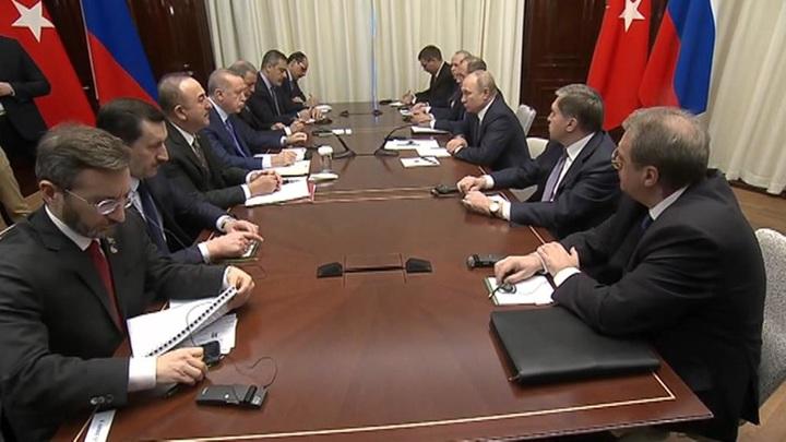 Путин встретился с Эрдоганом, а Помпео – с Чавушоглу