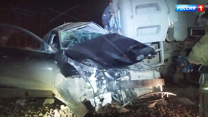 В аварии на переезде в Подмосковье погибли два человека