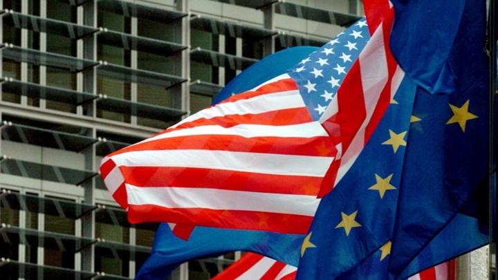 США и Евросоюз официально ввели санкции против России