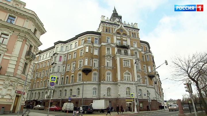 В дореволюционном особняке на Сретенском бульваре пропала историческая дверь
