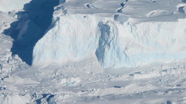 Ледник Туэйтса так велик, что его таяние представляет угрозу для всего мира.