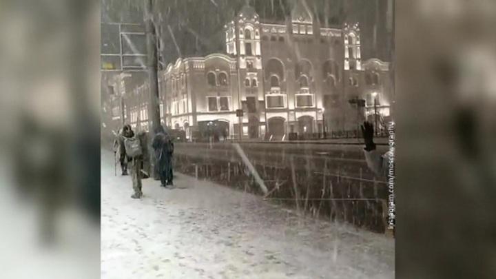 """""""Погода 24"""": жителей Европейской России ждут американские температурные горки"""
