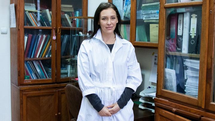 Один из авторов исследования, доцент кафедры химической технологии и новых материалов Дина Дейнеко.