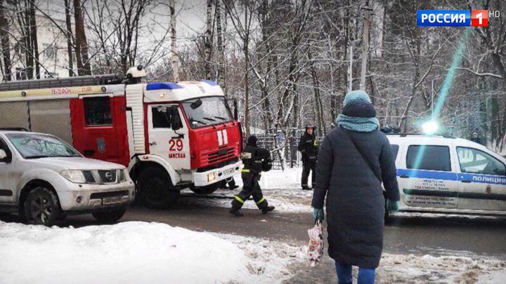 Из-за резкой остановки трамвая на северо-западе Москвы пострадали несколько человек
