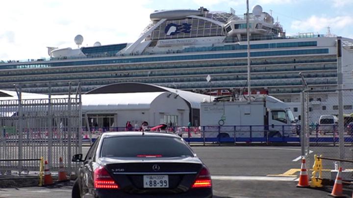 Две россиянки покинули лайнер Diamond Princess