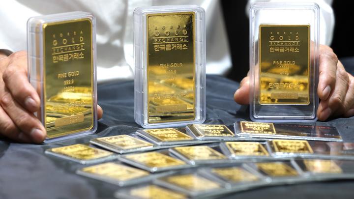 Инвесторы скупают золото и серебро: цена драгметаллов быстро растет