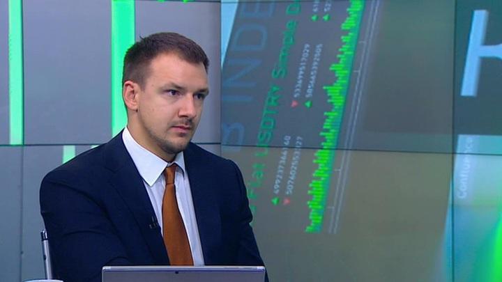 Курс дня. Как заявления ФРС и паническое снижение ставок в КНР повлияют на нефть и рубль