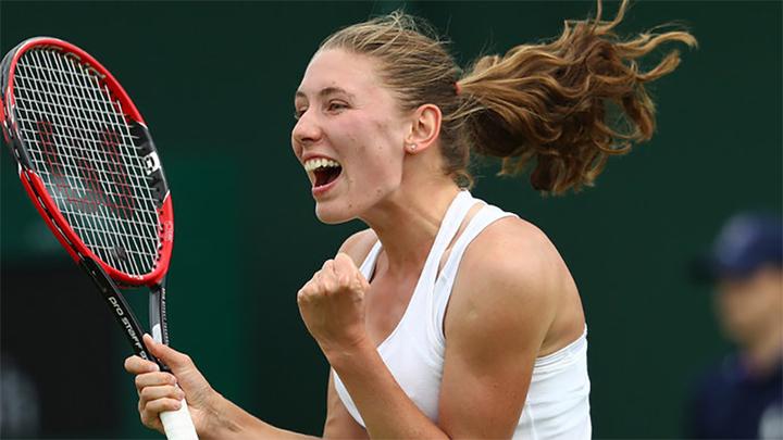 Александрова вышла в 1/4 финала турнира в Штутгарте, где сыграет с Халеп