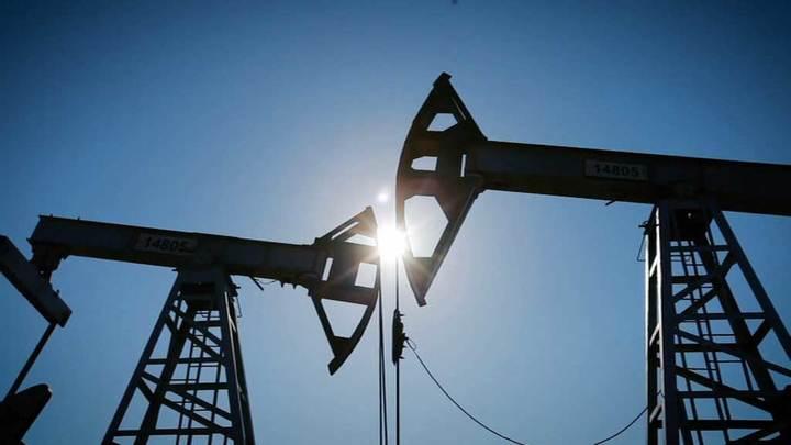 Цены на нефть растут, Brent подорожала до $63,29 за баррель