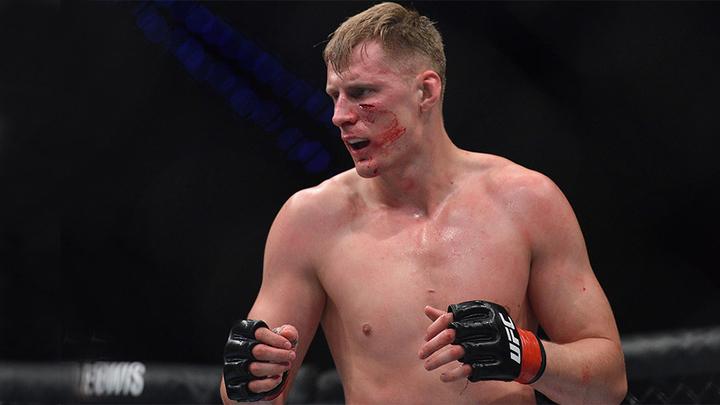 """""""Будь осторожнее"""": лидер рейтинга UFC предостерег Волкова"""